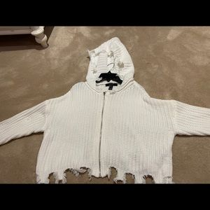White Fringe Hem- Knitted Sweater with a zipper🤍